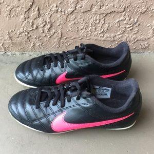 Kids Nike soccer cleats size 3Y